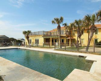 Port A Escapes Vacation Rentals - Port Aransas - Pool