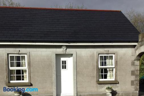 Deerpark Manor Bed and Breakfast - Swinford - Building