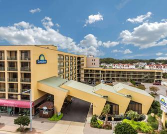 Days Inn by Wyndham Virginia Beach At The Beach - Virginia Beach - Building
