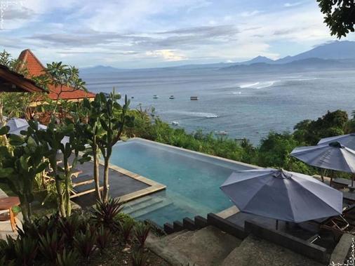 Lembongan Cliff Villas - Nusa Penida - Pool