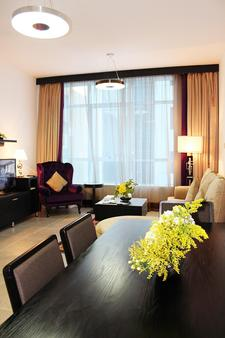 Al Diar Sawa Hotel Apartments - Abu Dhabi - Ruokailuhuone