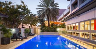 H On Smith Hotel - Darwin - Piscine