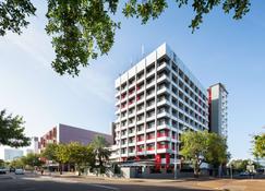 H On Smith Hotel - Darwin - Gebouw