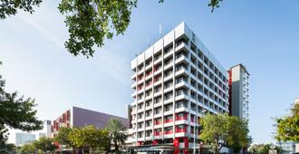 H On Smith Hotel - Darwin - Edificio