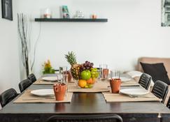 Bhavana Surf House - Corralejo - Dining room