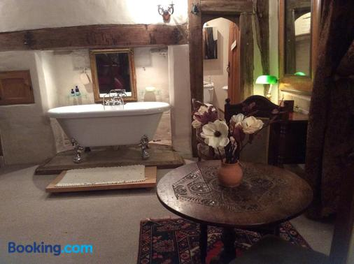 Valley Farmhouse B&B - Halesworth - Bathroom