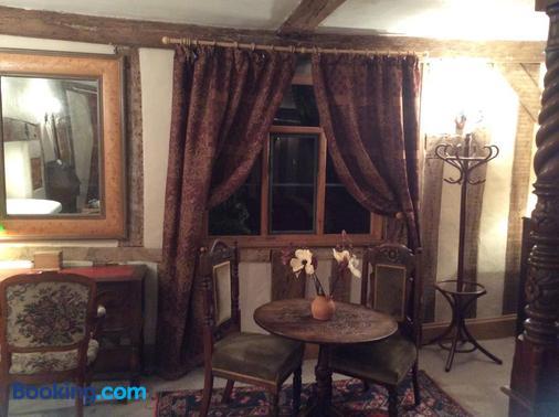 Valley Farmhouse B&B - Halesworth - Dining room