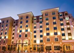 Avani Deira Dubai Hotel - Dubai - Edifício