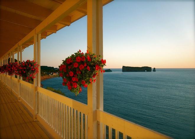 Hôtel Motel La Côte Surprise - Perce - Balcony