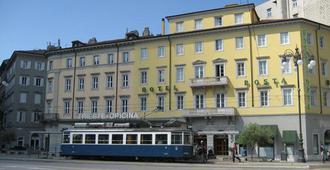 Albergo Alla Posta - Trieste - Bygning