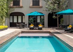 Mesón de Santa Rosa Luxury Hotel - ซานติอาโก เด เควเรตาโร - สระว่ายน้ำ