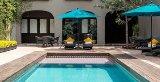 Mesón de Santa Rosa Luxury Hotel - Santiago de Querétaro - Piscina