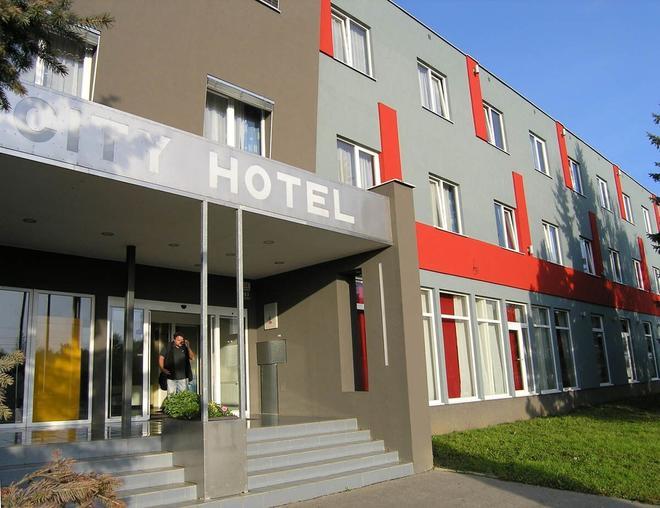 City Hostel Brno - Brno - Building