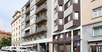 Ginosi Pedralbes Hotel - Barcelona - Building