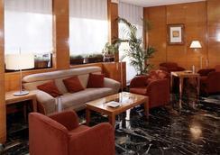 Ginosi Pedralbes Hotel - Barcelona - Oleskelutila