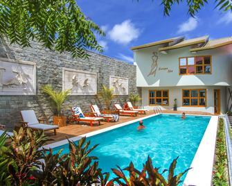 Kaani Village & Spa - Maafushi - Pool
