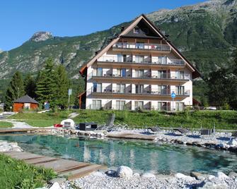 Hotel Mangart - Bovec - Building