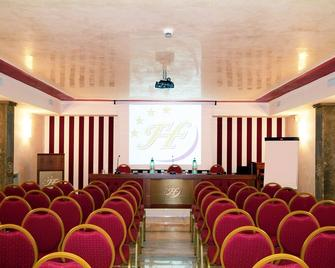 Fashion Hotel - Valmontone - Meeting room