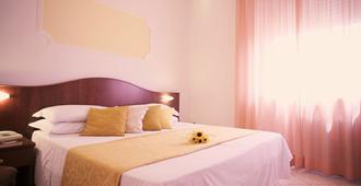Hotel Grifone - Perugia - Yatak Odası