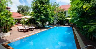 Skyline Boutique Hotel - Phnom Penh - Piscina