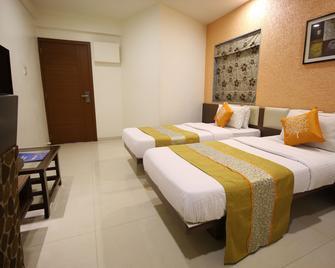 Hotel Jyoti - Rajkot - Makuuhuone