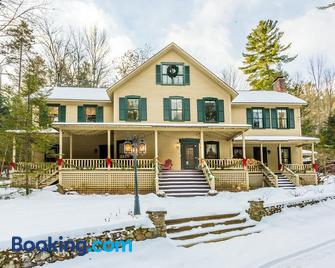 Snow Goose Bed and Breakfast - Keene Valley - Building