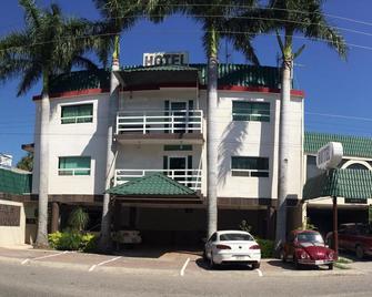 Hotel Palmas D' Victoria - Ciudad Victoria - Gebouw