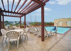 Galveston Inn & Suites Hotel - Galveston - Pileta