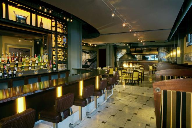 The Arctic Club Seattle - a DoubleTree by Hilton - Seattle - Bar