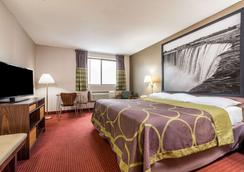 Super 8 by Wyndham Niagara Falls NY - Niagara Falls - Bedroom