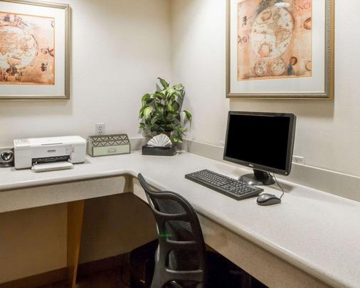 Quality Inn Tulsa-Downtown West - Tulsa - Business centre