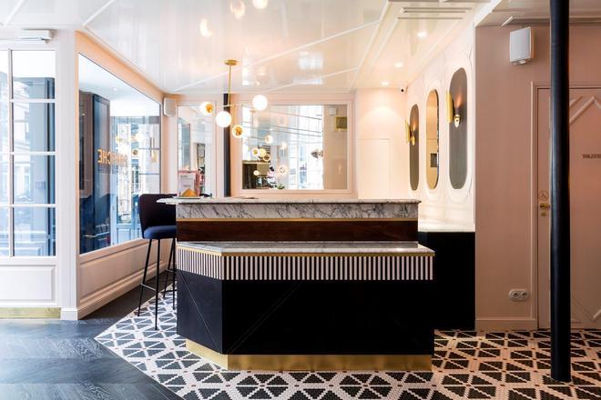Hotel Panache - Paris - Front desk