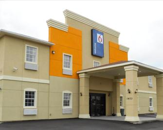 Motel 6 Jourdanton - Jourdanton - Edificio