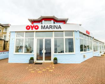 OYO Marina - Sandown - Building