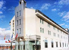 Hotel Ciudad de Fuenlabrada - Fuenlabrada - Edificio