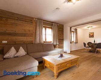 Ferienwohnung Hausegg - Haiming - Huiskamer