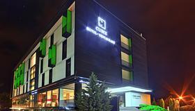 Hotel Cubix - Braşov - Building