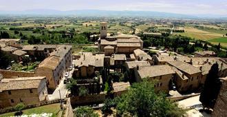 Hotel Fontebella - Assisi - Θέα στην ύπαιθρο