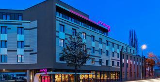 Moxy Düsseldorf South - Düsseldorf - Gebäude