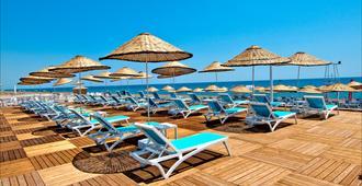 Holiday Inn Antalya - Lara - Antalya - Strand