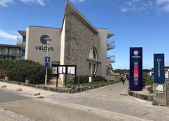 Golden Tulip Valdys Resort Roscoff - Roscoff - Building