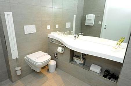 Aquatis Hotel - Lausanne - Bathroom