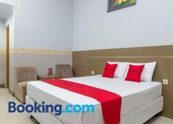 RedDoorz near Goa Panggung - Pangandaran - Phòng ngủ