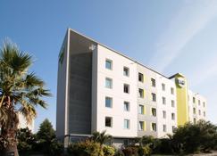 B&B Hotel Rennes Ouest Villejean - Ренн - Building