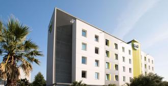 B&B Hotel Rennes Ouest Villejean - Rennes - Edificio