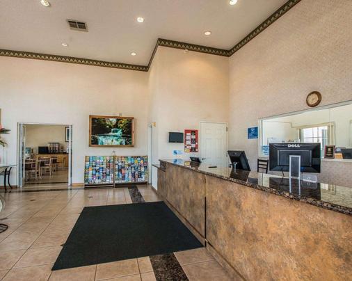 Rodeway Inn - Oceanside - Front desk