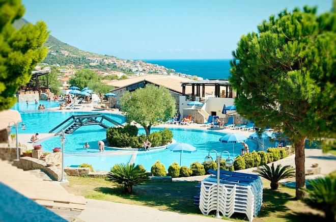 Club Esse Cala Gonone Beach Village - Cala Gonone - Pool