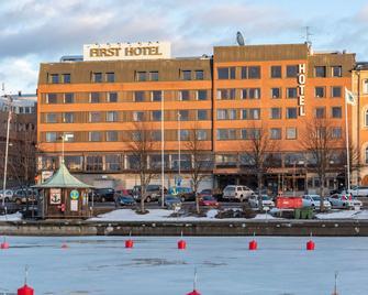 First Hotel Stadt Härnösand - Härnösand - Gebouw