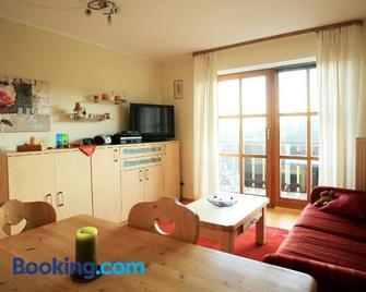 Appartement Hauzenberg-Panorama - Hauzenberg - Living room