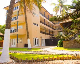 Best Western Plus Accra Beach Hotel - Accra - Toà nhà